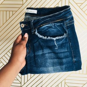KanCan | Frayed Hem and Pocket Skinny Jeans